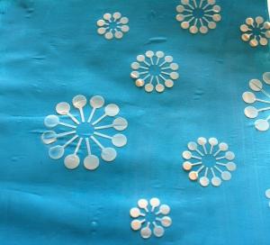 Fleurs pochées avec modeling paste
