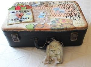 Customiser une valise pour en faire une urne de mariage